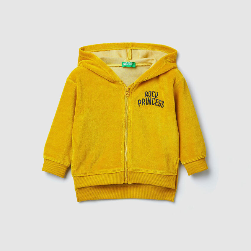 Chenille sweatshirt with embroidery