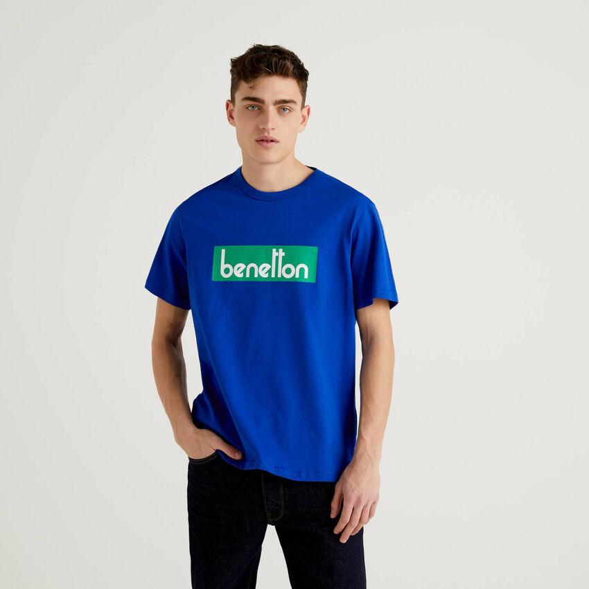 Blue t-shirt with logo print