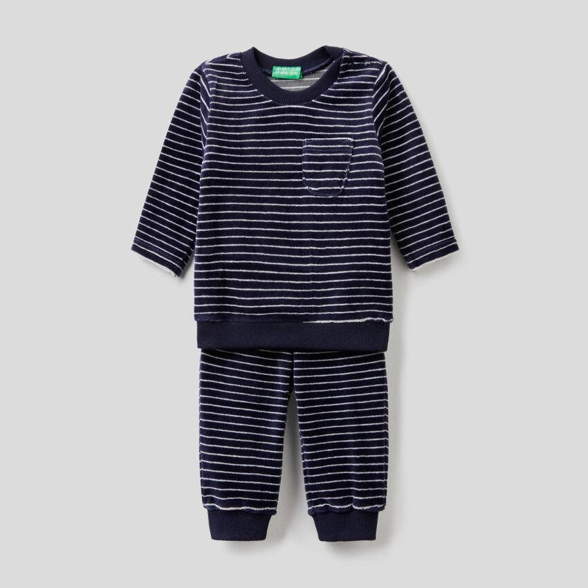 Pyjamas in patterned chenille