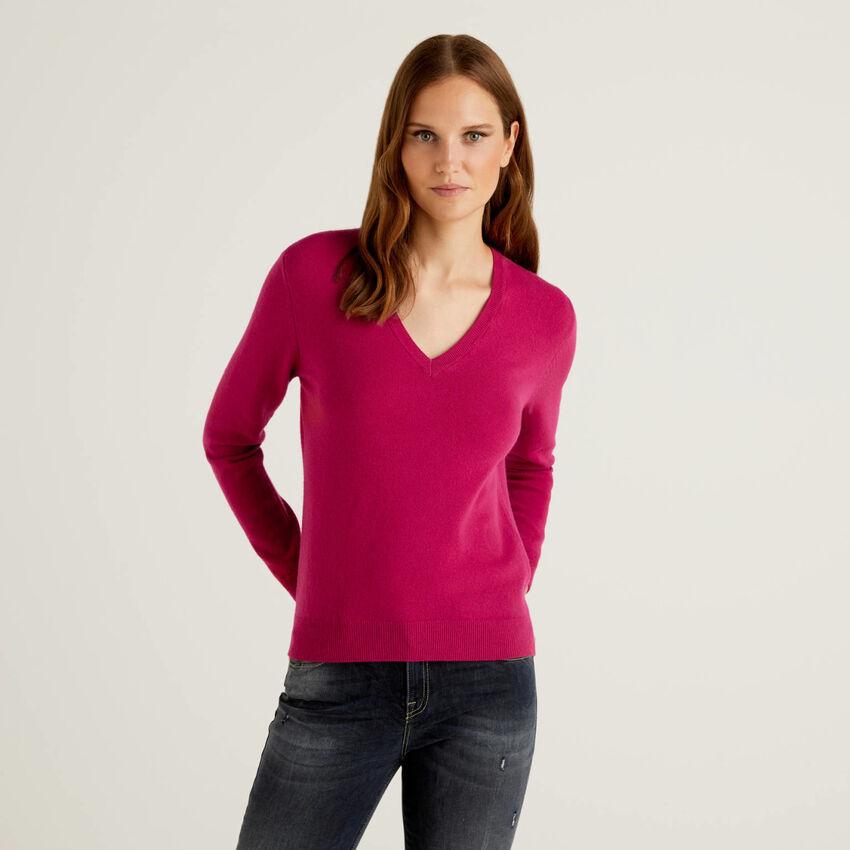 Cyclamen V-neck sweater in pure virgin wool