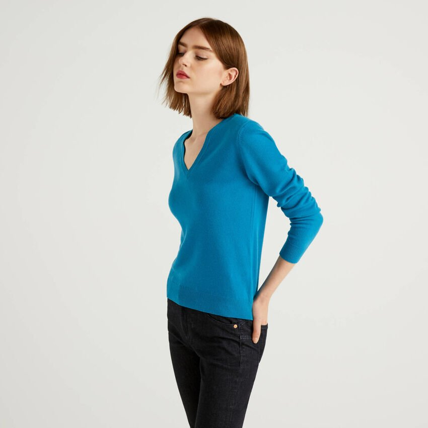 Teal V-neck sweater in pure virgin wool