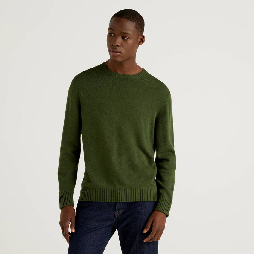 Crew neck sweater in cashmere and wool blend