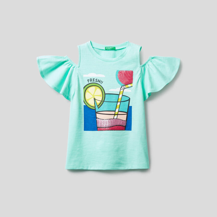 T-shirt with sequins details