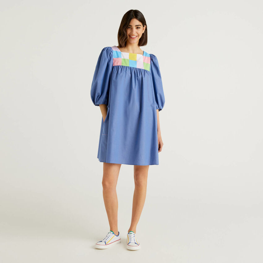 Short dress with 3/4 puff sleeves