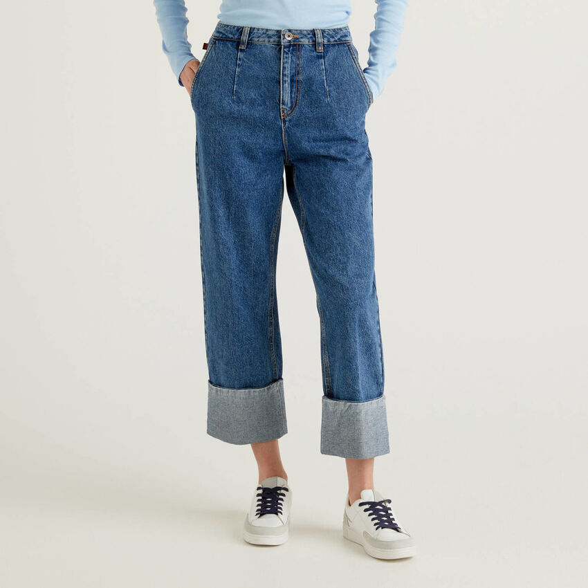 Jeans with 100% cotton and maxi cuffs