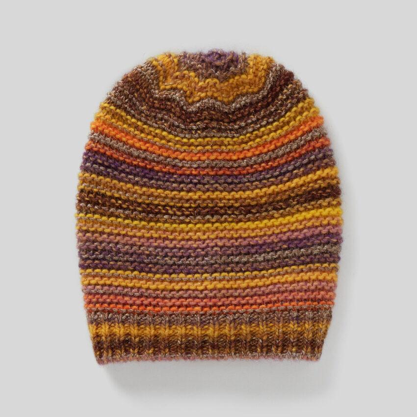 Multicolor hat