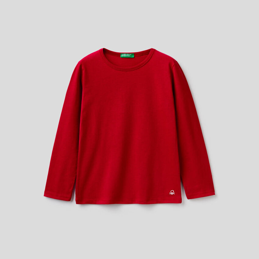 Long sleeve red t-shirt