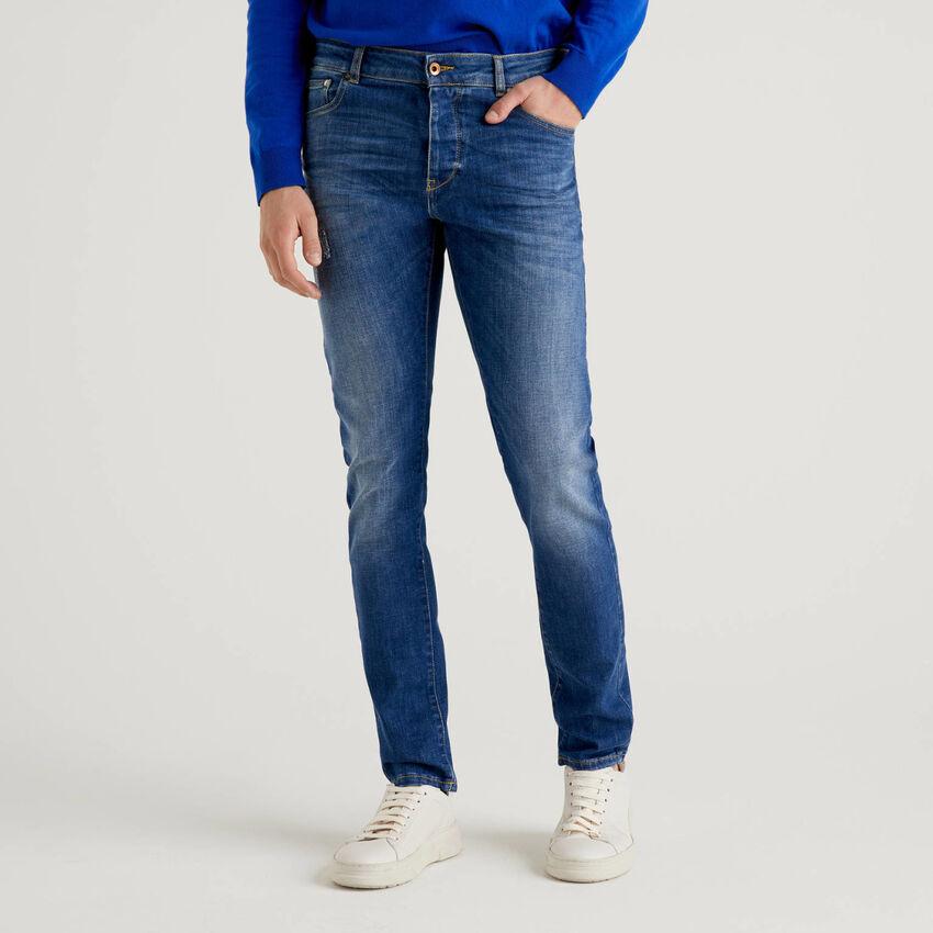 Five pocket worn look jeans