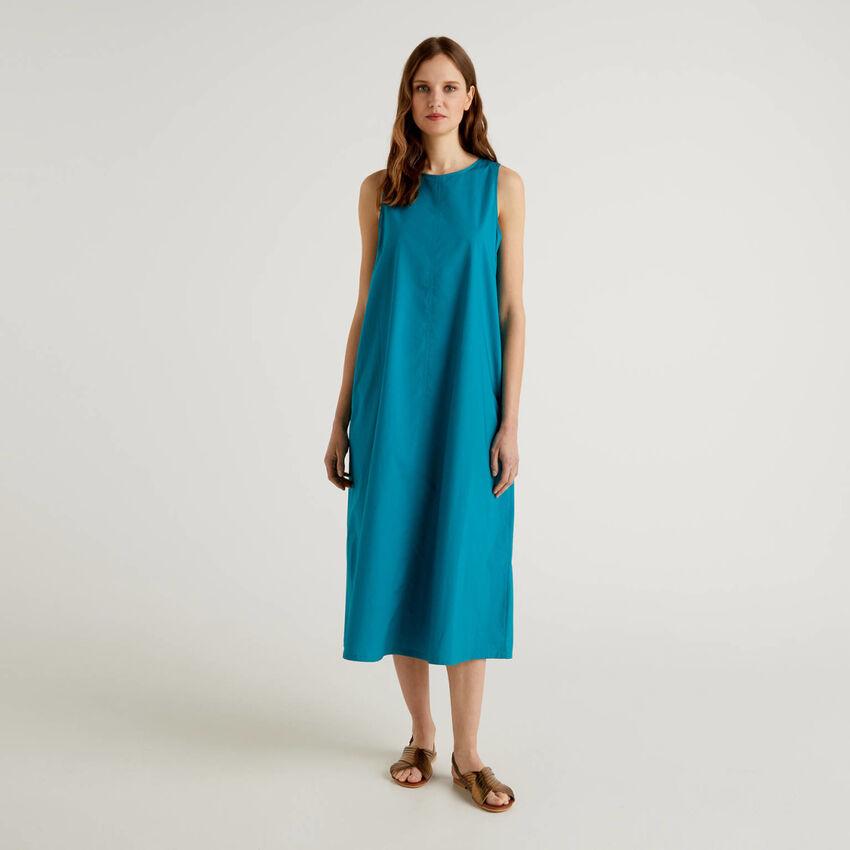 Long sleeveless dress in 100% cotton