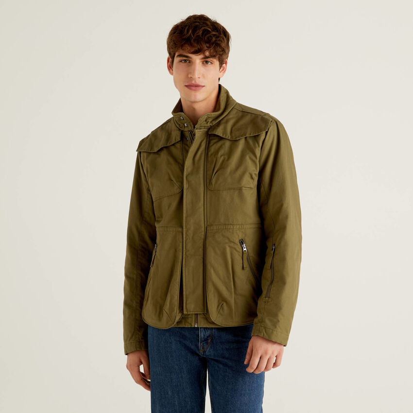 Jacket with pockets in 100% cotton