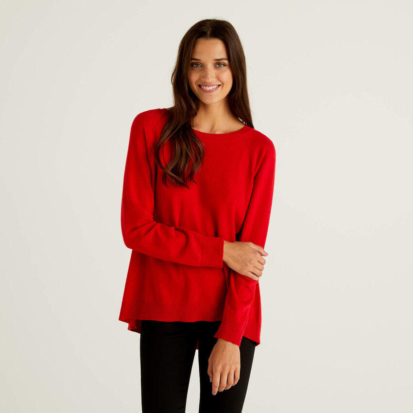 Red sweater with pleat on the back