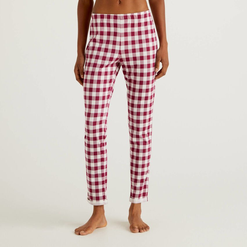 Long patterned trousers
