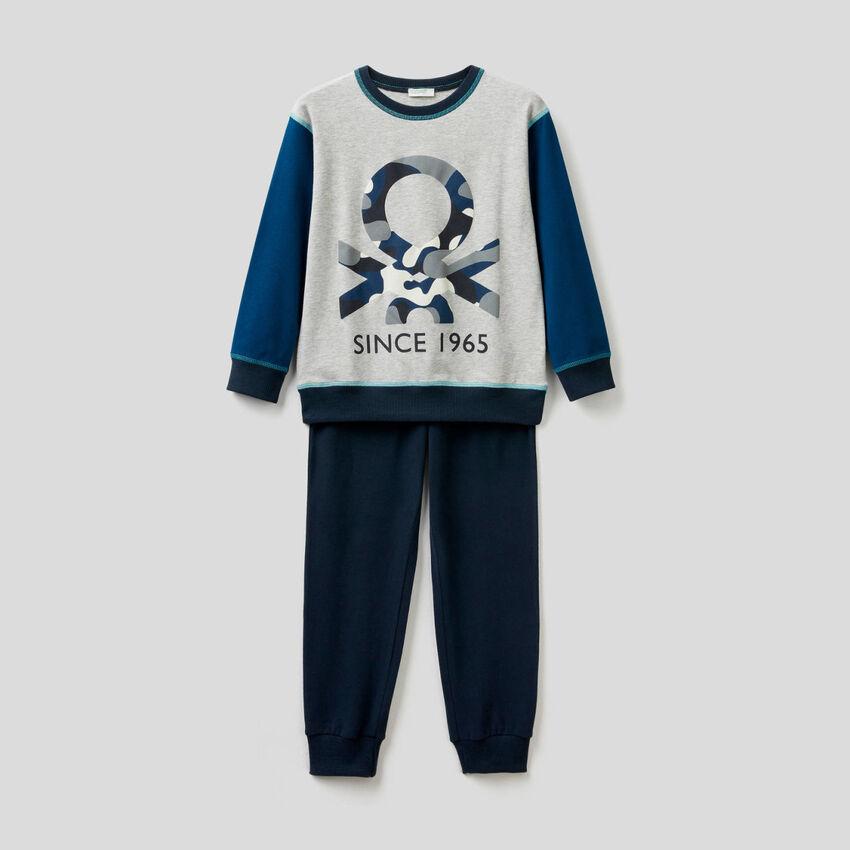 Pyjamas in stretch cotton with print