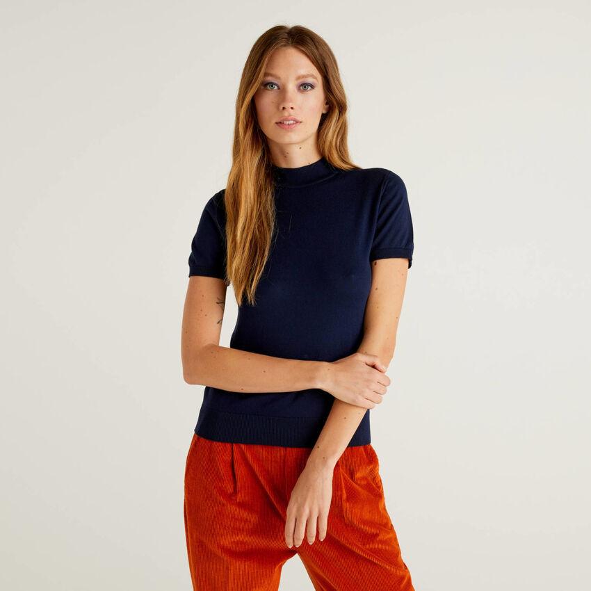 Short sleeve turtleneck sweater