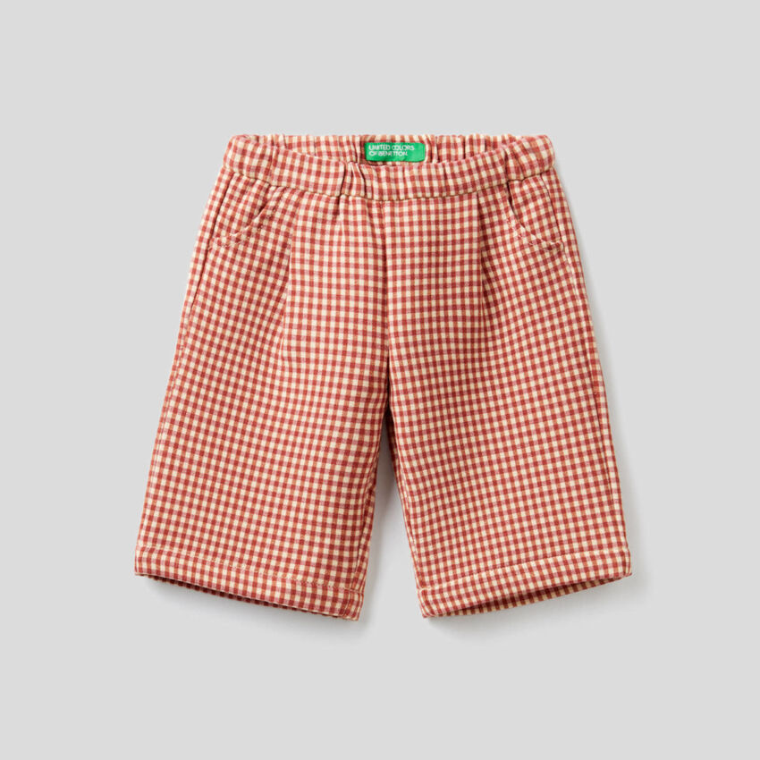 Wide trousers with check pattern