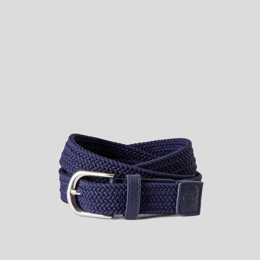 Twisted belt in fabric