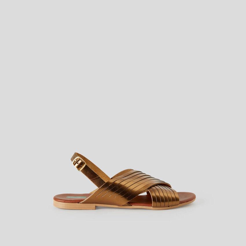 Criss-cross flat sandals