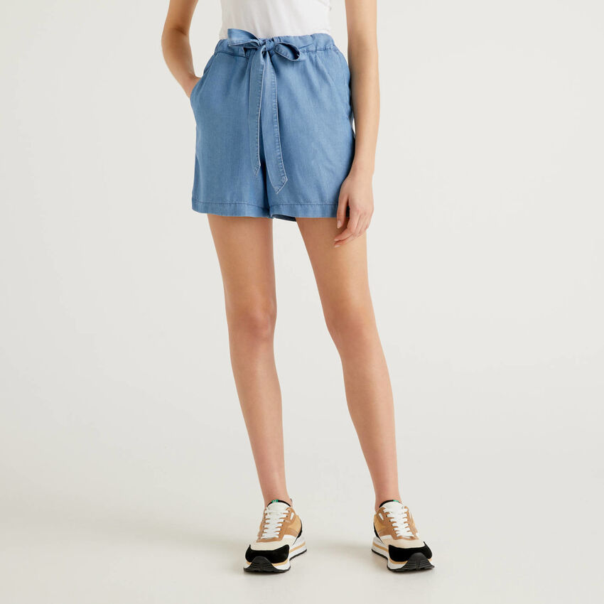 Flowy denim look shorts