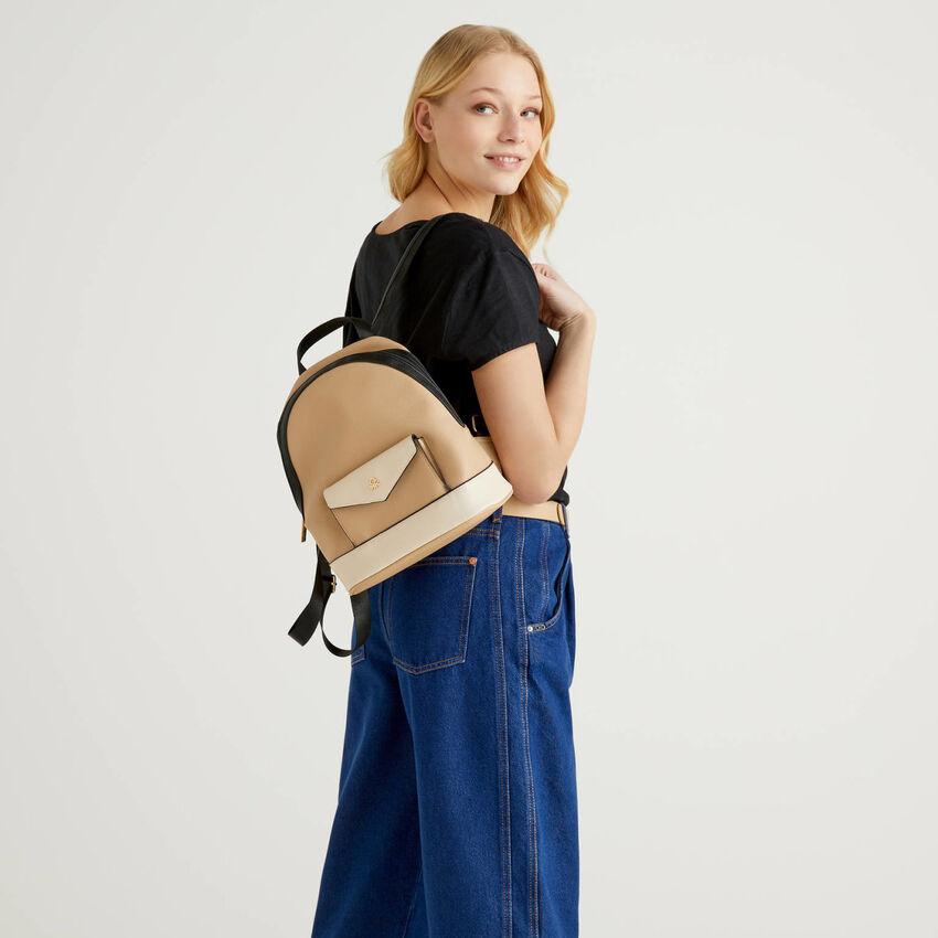 Rucksack with pocket