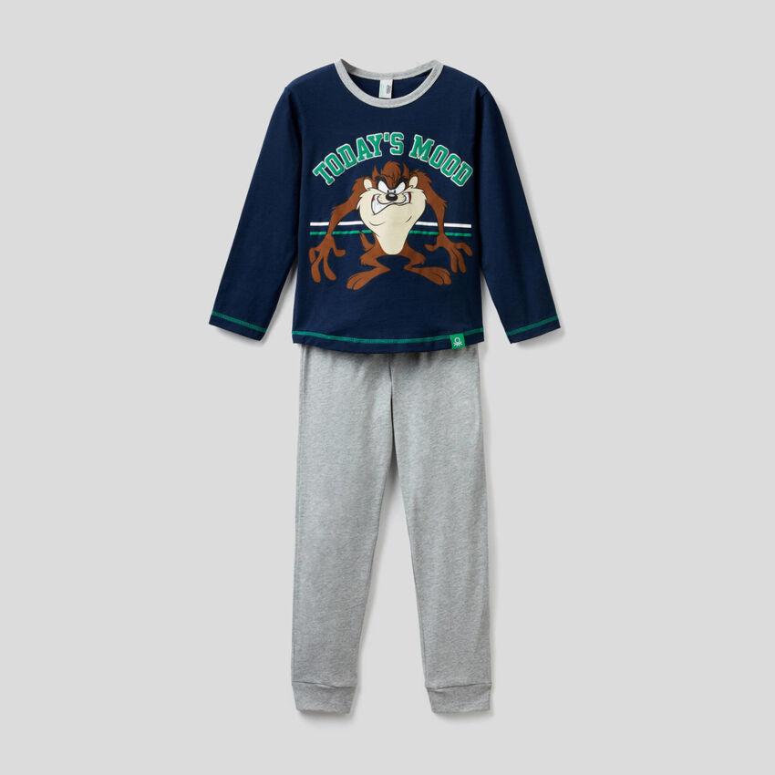 Pyjamas with Looney Tunes print